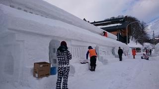 雪旅籠修正の様子.JPG